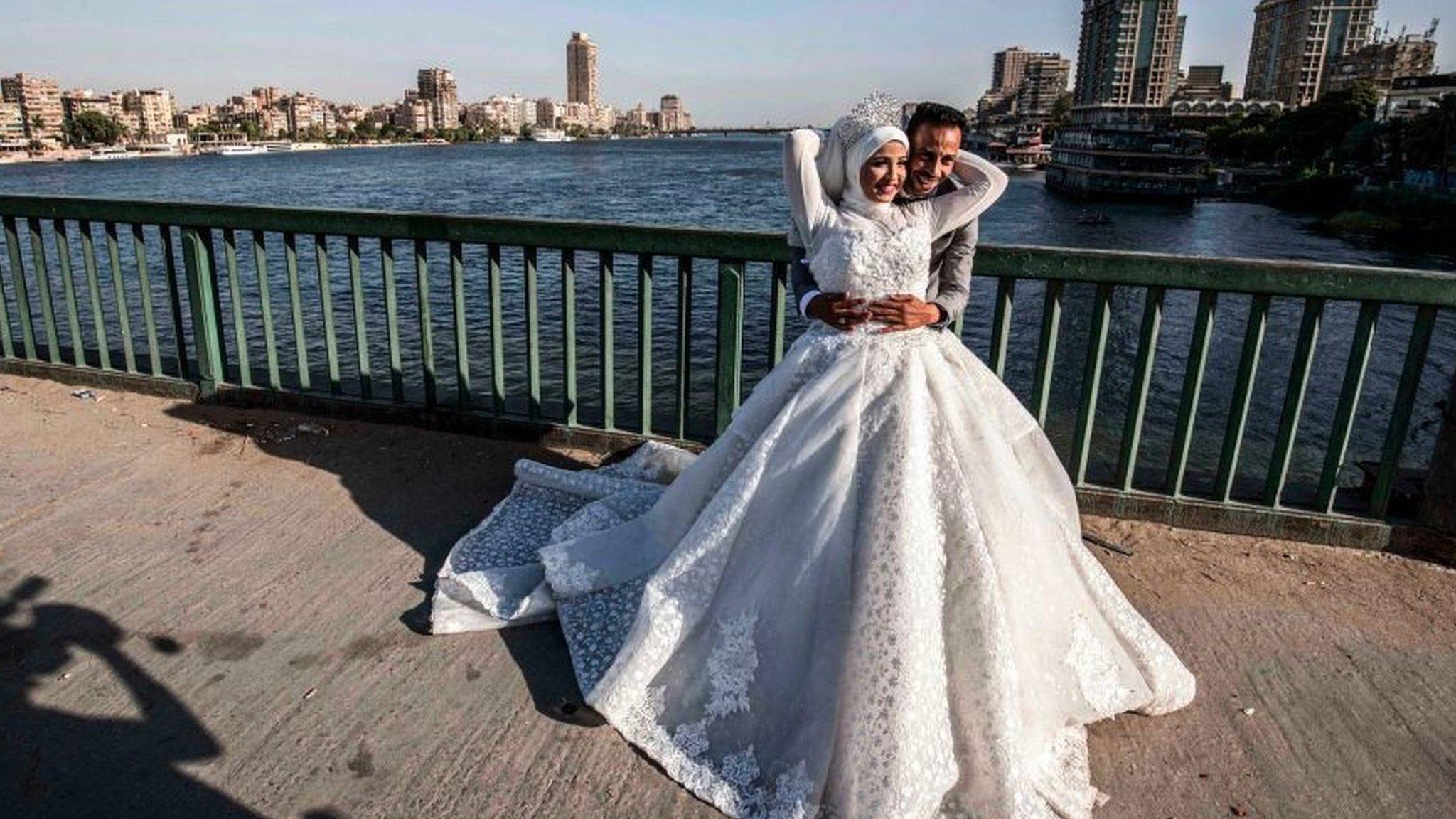 تؤكد الإحصاءات الرسمية أن نسب الطلاق المتزايدة باتت تشكل أزمة قانونية واجتماعية في مصر