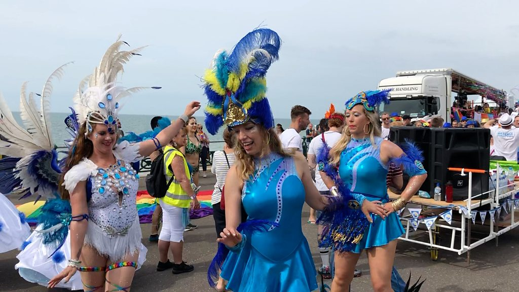 BBC News - Brighton Pride brings 250,000 people to the city