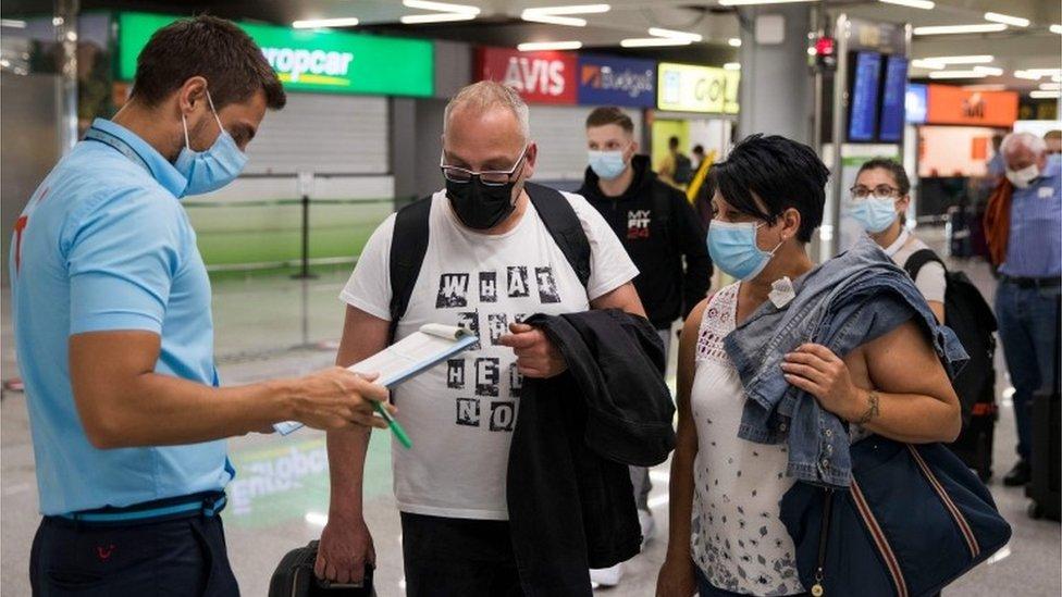 Un control en un aeropuerto de España