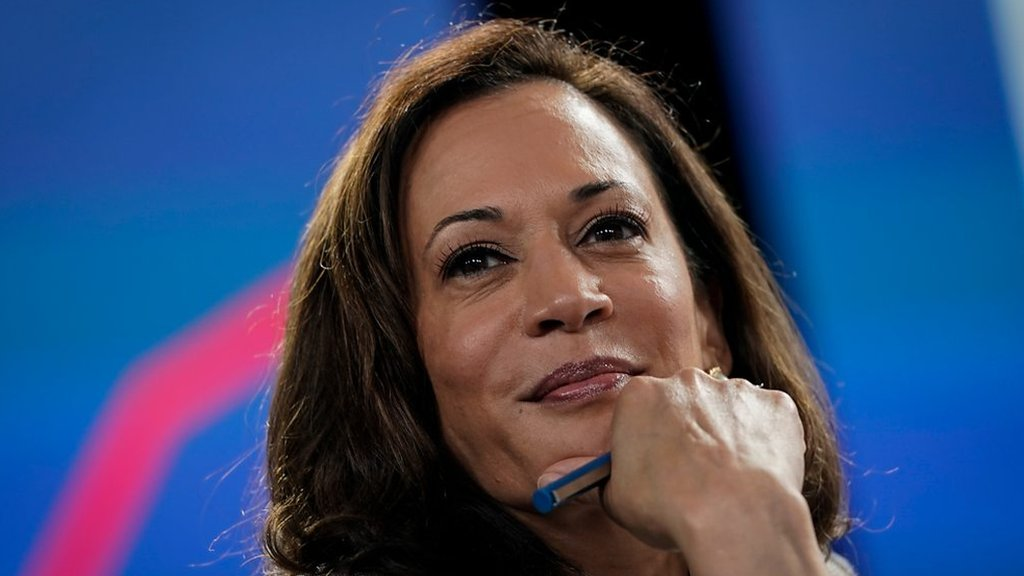 Kamala Harris: Facebook removes racist posts about US vice-president-elect thumbnail