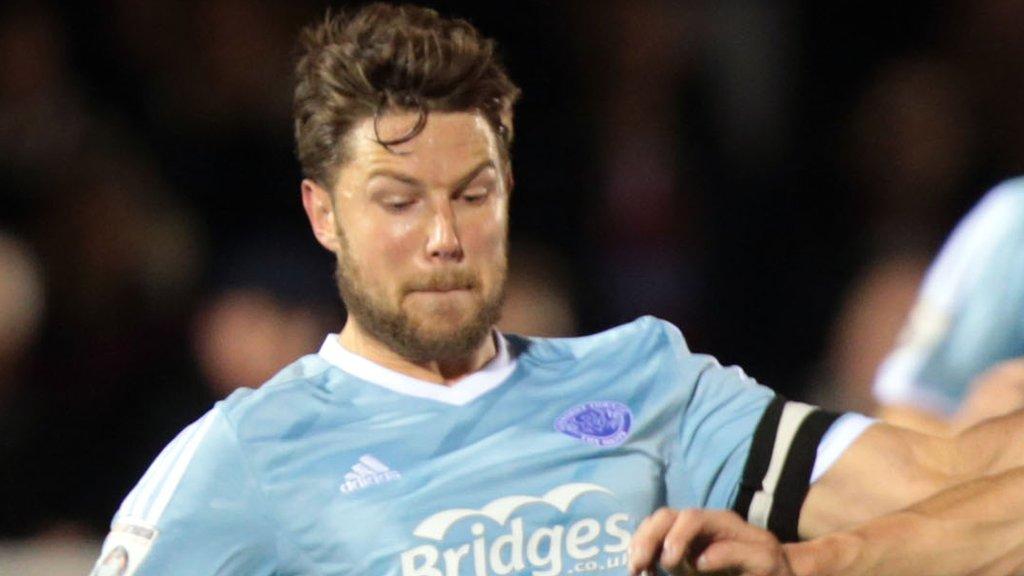 Callum Reynolds: Barnet sign former Aldershot captain