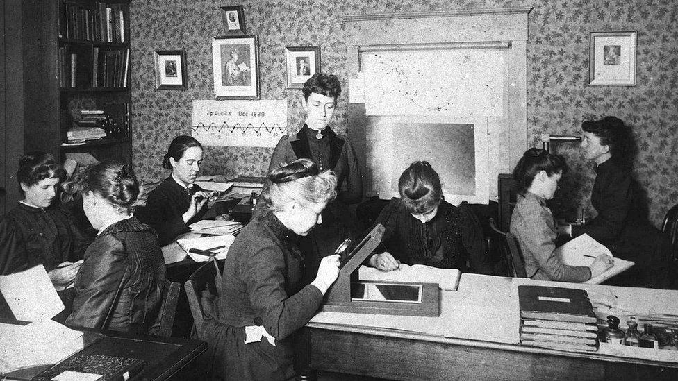 """Mujeres """"computadoras"""" de Harvard."""