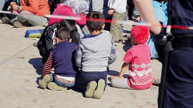 Children at Austria-Hungary border