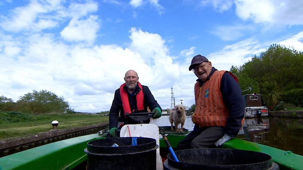 Canal crusaders clean up Leicestershire waterways