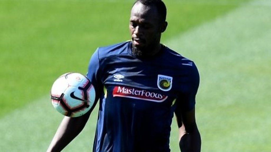 Usain Bolt trains to be a footballer