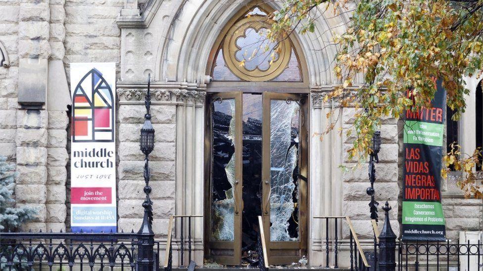 الكنيسة الشهيرة تضم جرس حرية نيويورك الذي دق أثناء توقيع اعلان الاستقلال عام 1776