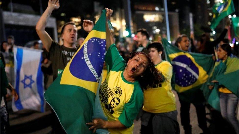 Pristalice Bolsonara slavile su celu noć