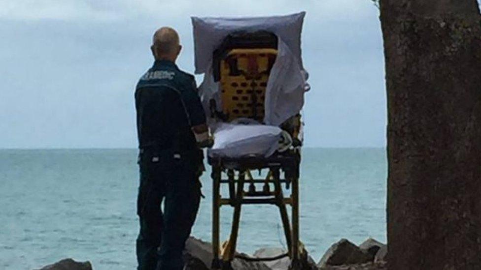 Bolničari su prošle godine odveli ženu na samrti na plažu
