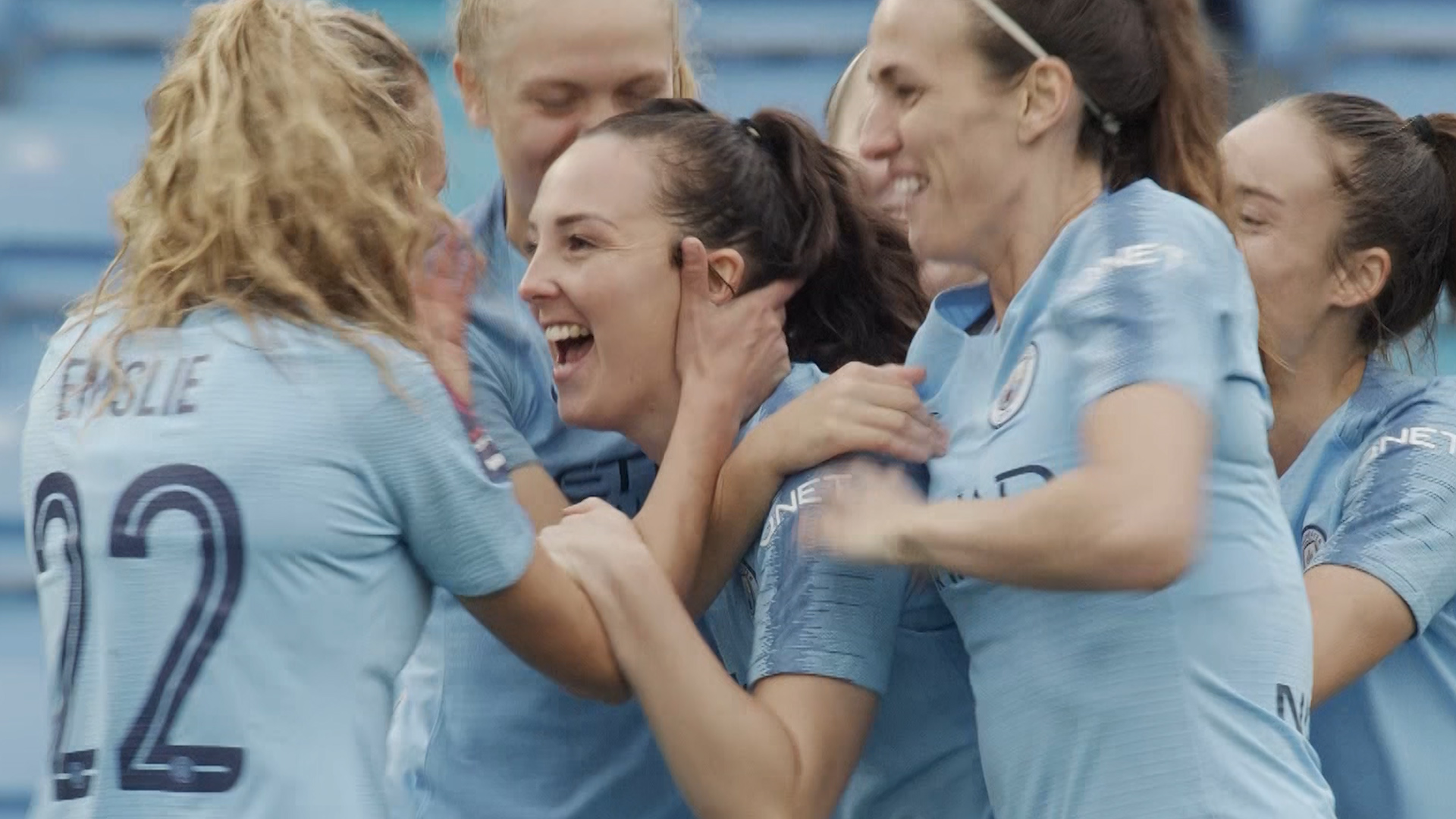 WSL: Caroline Weir puts Manchester City ahead against West Ham