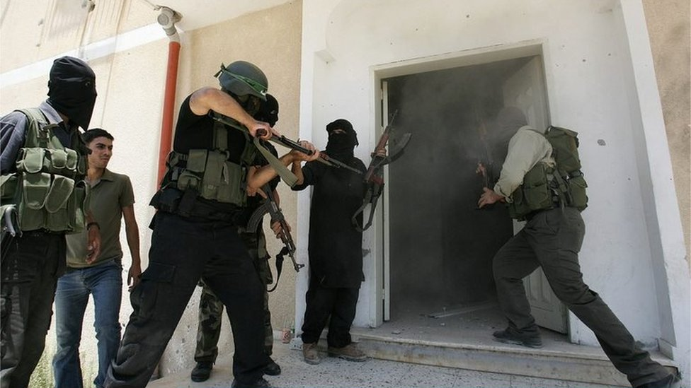 Hamas militants storm Fatah Preventative Security Force headquarters in Gaza City (14/06/07)