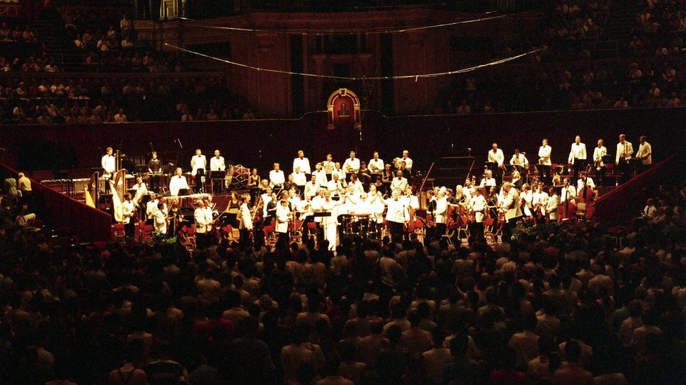 La mezzosprano sueca Anne Sofie von Otter con la Orquesta Sinfónica de Londres.