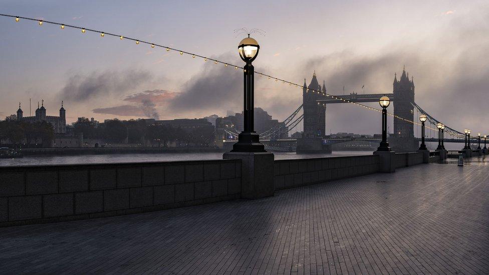 Исход мигрантов. Население Лондона сократилось на 8%, но официальная статистика этого не заметила
