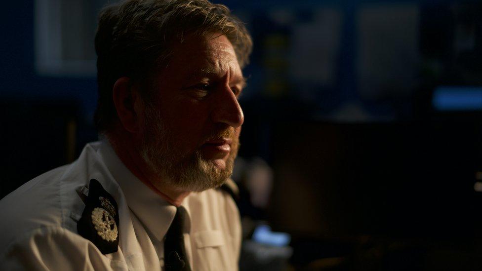El jefe de la policía Simon Bailey