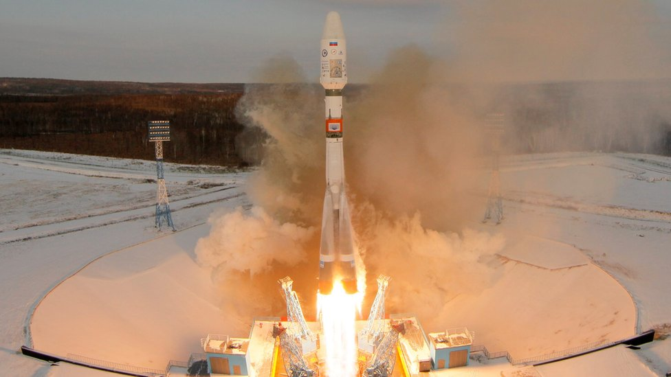 Russia loses contact with new weather satellite