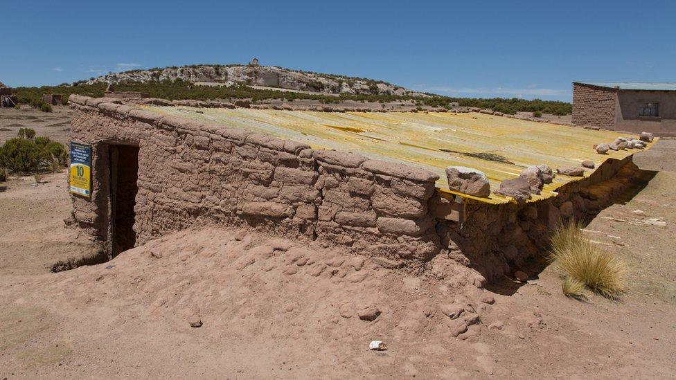 """Walipini edificado por la FAO en 2012 como parte de un plan de """"preparación y reducción del riesgo de las comunidades altiplánicas""""."""