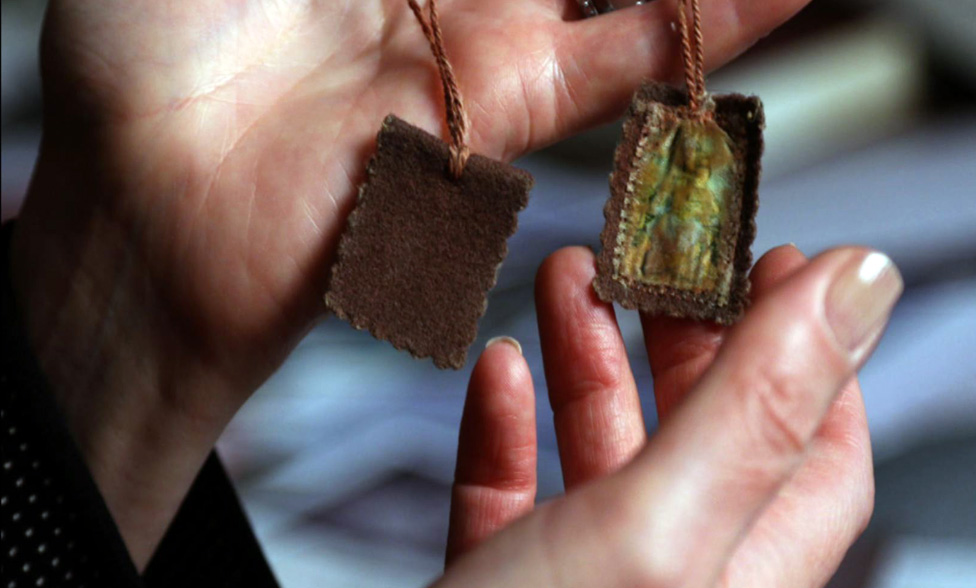 The scapular given to Ms Tymieniecka