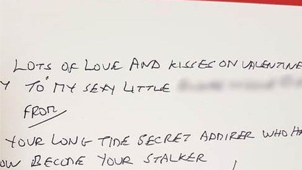 Una de las tarjetas que mandó Gordon Hawthorn