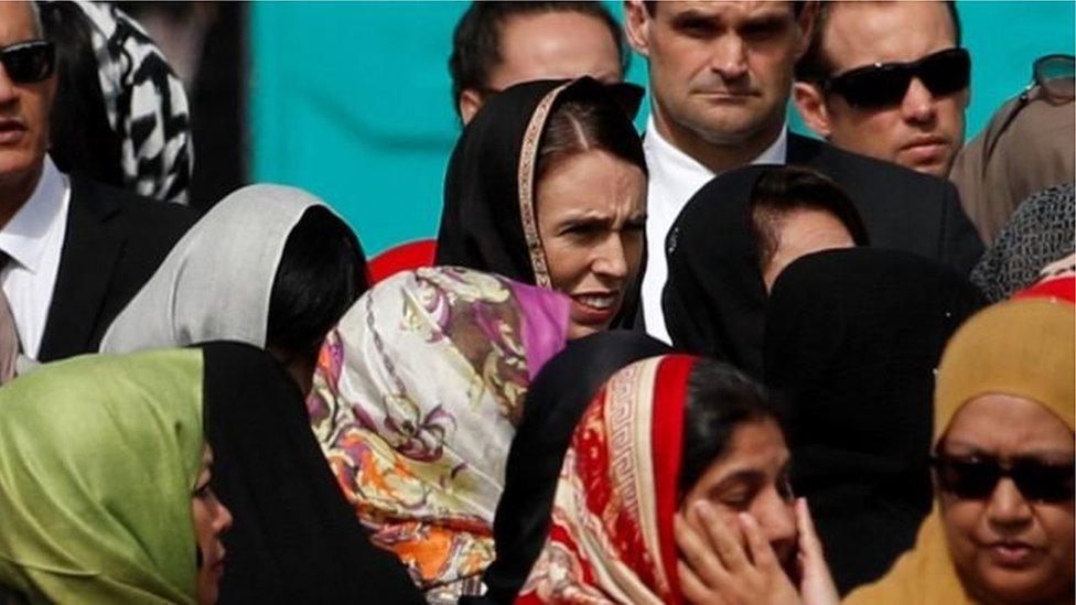 مراسم تشييع ضحايا المسجديين
