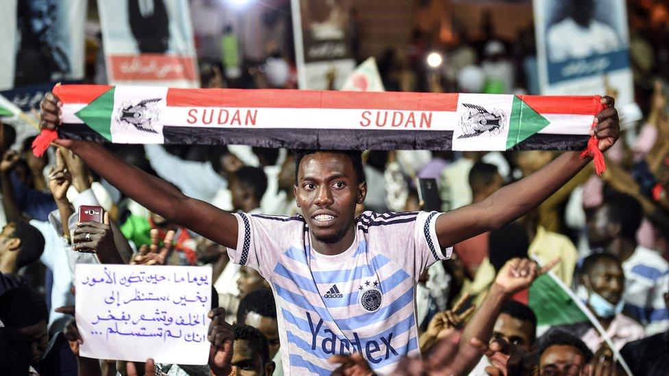 حديث متزايد في السودان عن عزم المجلس العسكري فض الاعتصام