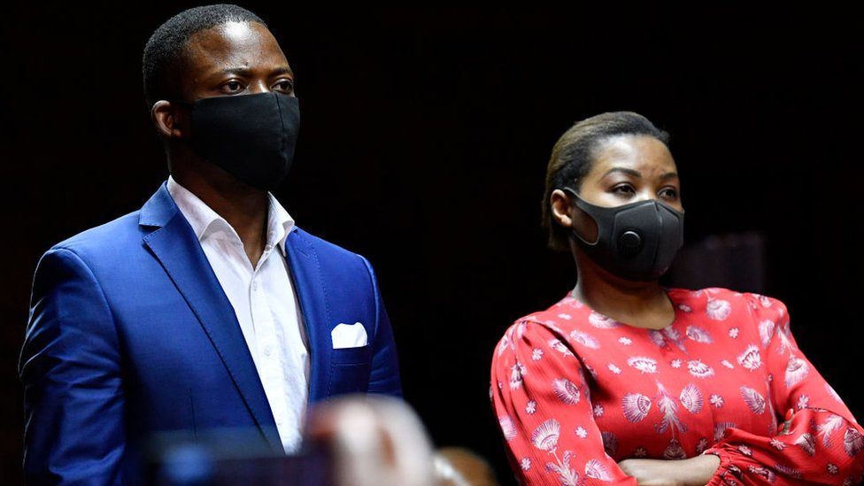 Shepherd Bushiri: Preacher flees South Africa ahead of fraud trial thumbnail