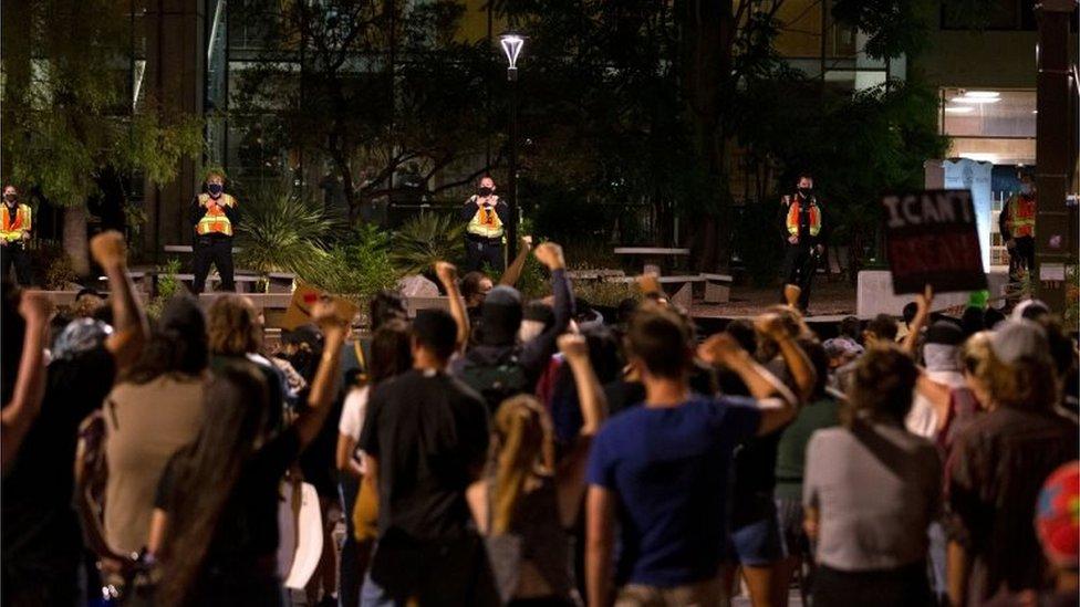 Una protesta contra la policía de Tucson