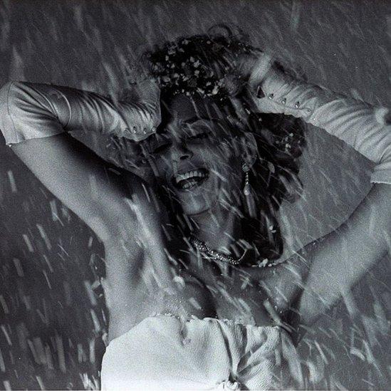 Antes de ser ministra de Cultura, Mercouri había sido una actriz admirada por su belleza y elegancia.