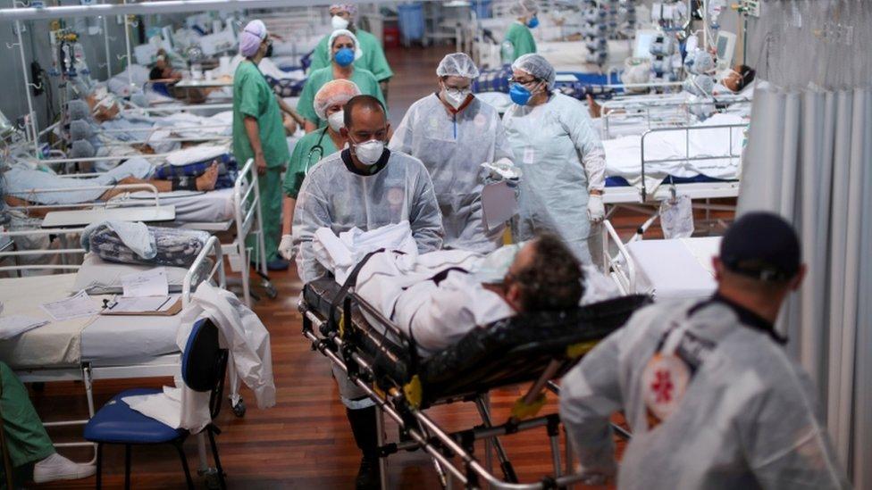 Hospital lotado em Santo André, SP