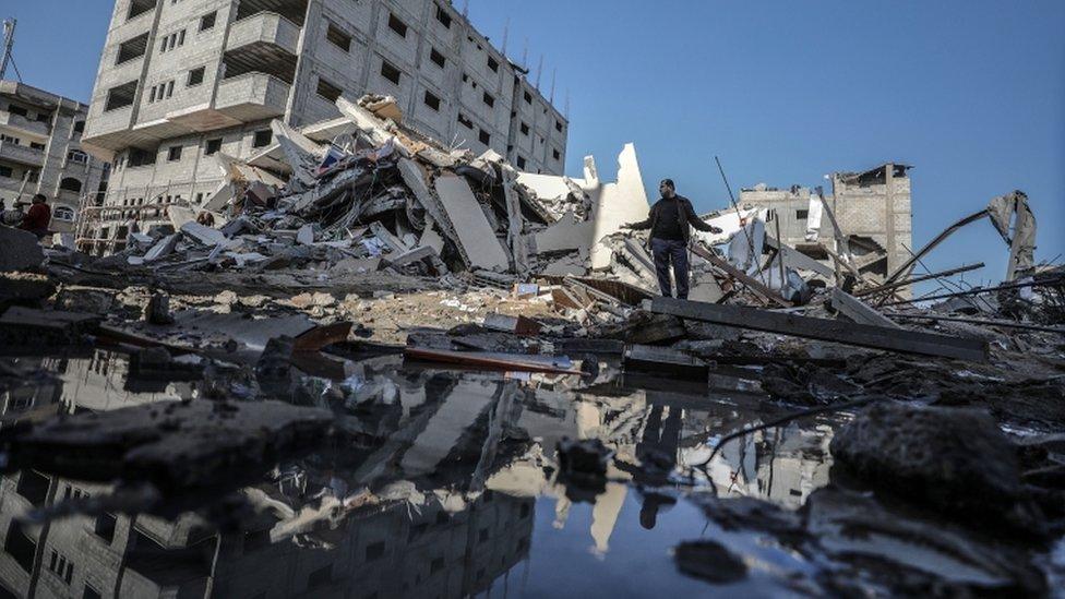 مبان دمرت في الهجمات الاسرائيلية على غزة