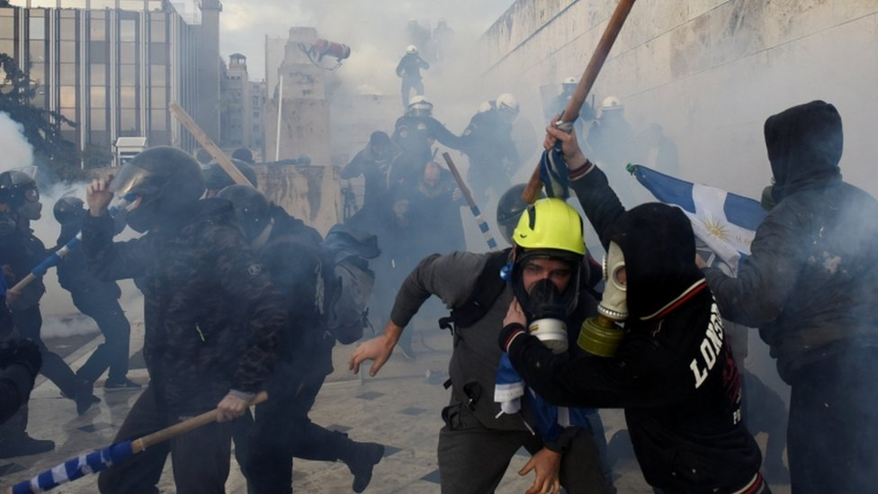 Macedonia and Greece: Clashes in Athens over neighbour's name change