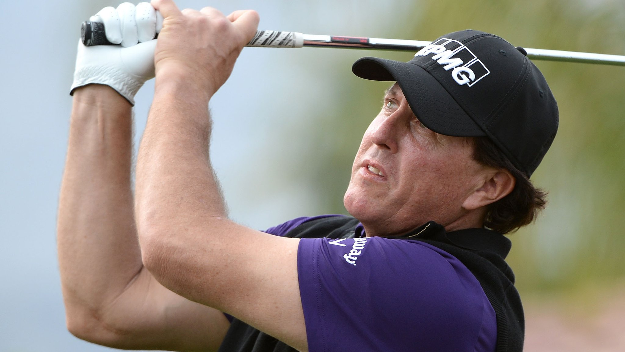 Phil Mickelson two shots ahead at Desert Classic after 68 in California