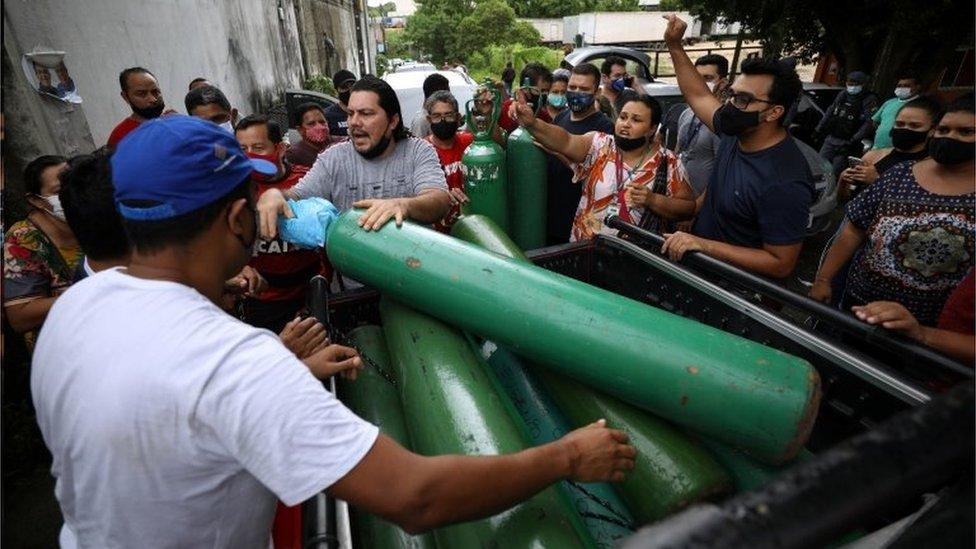 Crise do oxigênio em Manaus, em janeiro