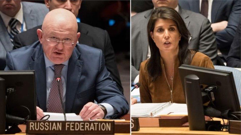 حذرت سفيرة الولايات المتحدة لدى الأمم المتحدة، نيكي هيلي، من أن واشنطن سترد على الهجوم الكيميائي في دوما والذي تقول إن الرئيس السوري بشار الأسد يتحمل المسؤولية الكاملة.