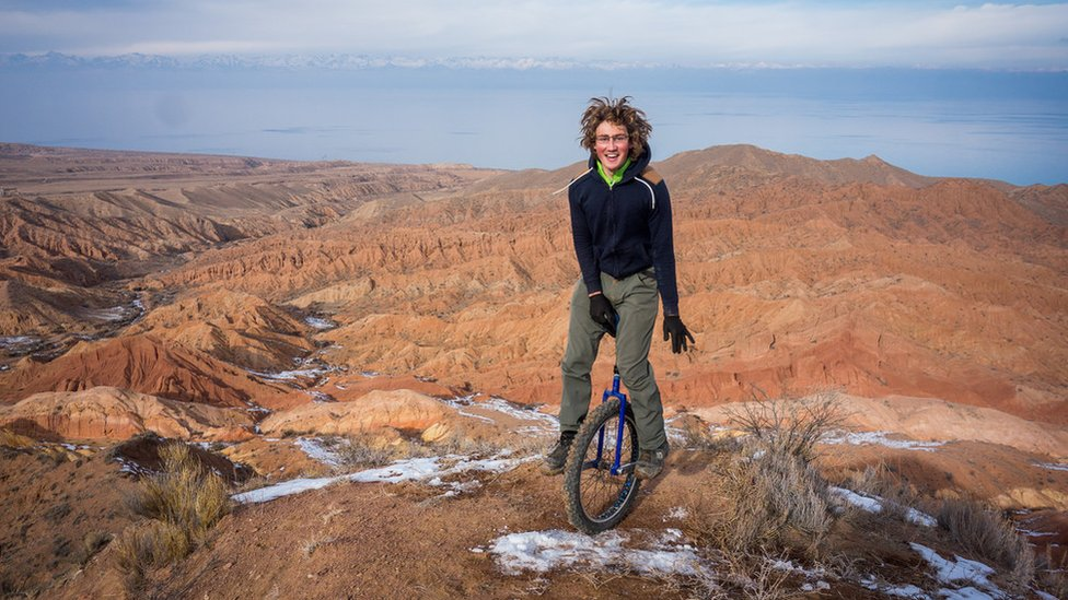 Somerset unicyclist completes round-the-world trip