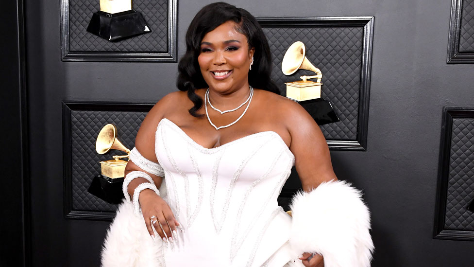 grammys 2020 red carpet in pictures bbc news bbc com