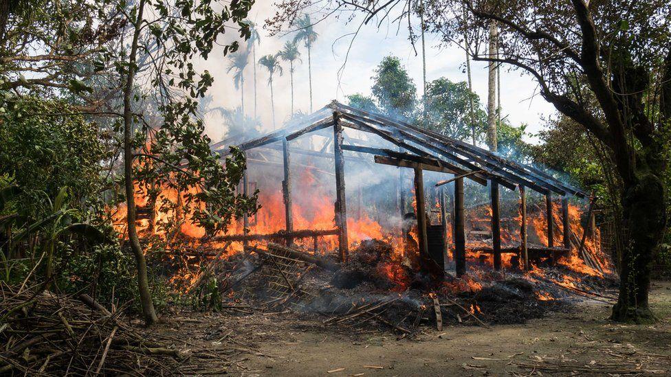 Pembakaran rumah orang Rohingya di Rakhine