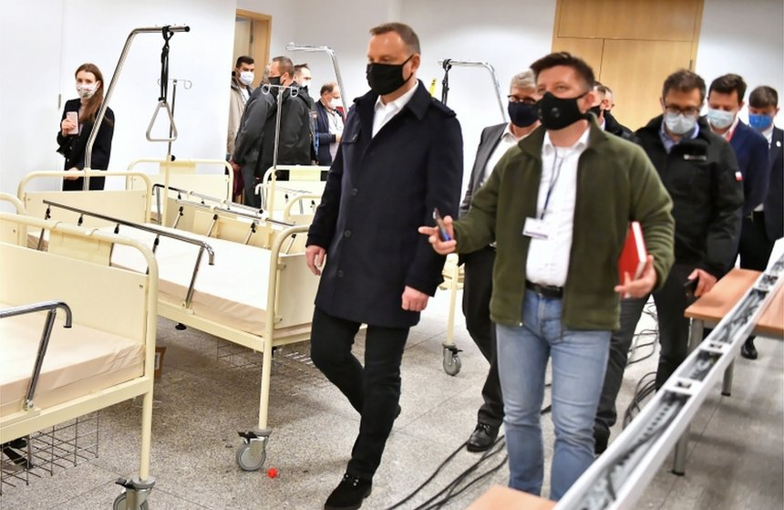 Polish president tests positive for COVID-19, but 'feels fine'