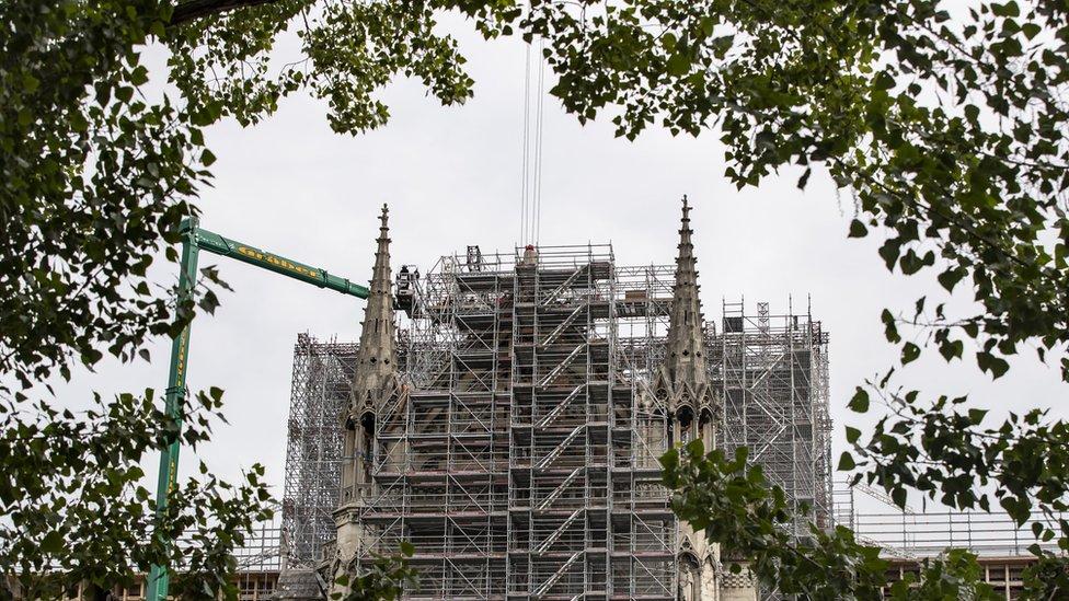 Radovi na Notr Dam katedrali u Parizu