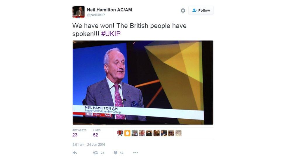 Arweinydd UKIP yn y Cynulliad yn dathlu