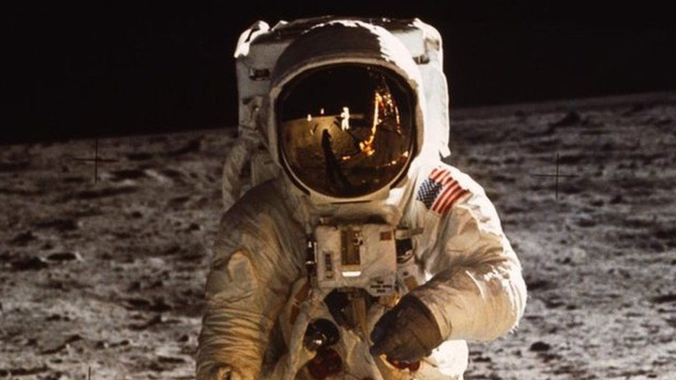 Moon walking: Ex-Nasa astronauts describe lunar experience