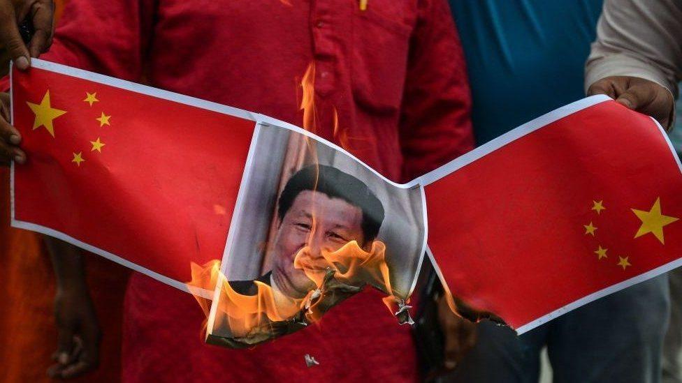 印度國內焚燒中國領導人的照片