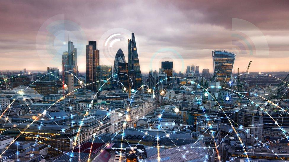 Ciudad mostrando línea de conexión.