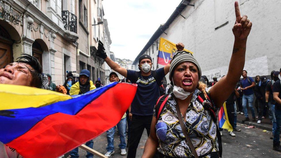 Manifestantes contra reformas económicas del gobierno de Lenín Moreno.