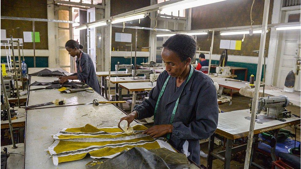 Trabajadoras en fábrica de Etiopía