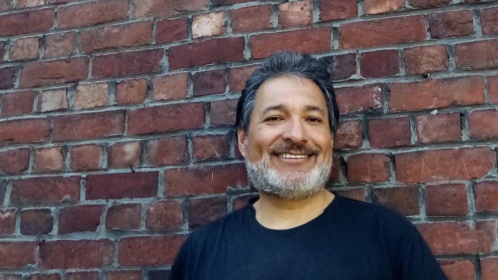 Gilberto Villarroel, periodista y escritor
