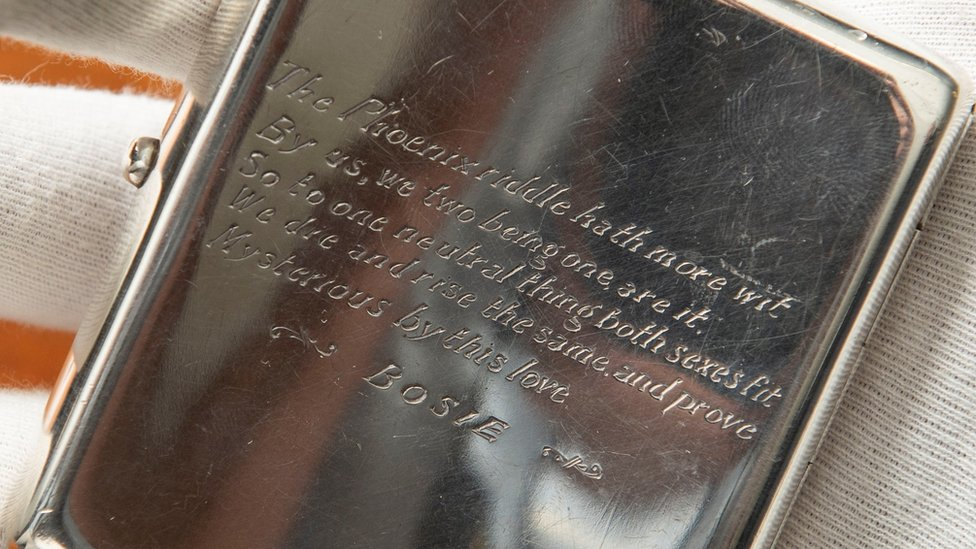 Oscar Wilde cigarette case to be auctioned