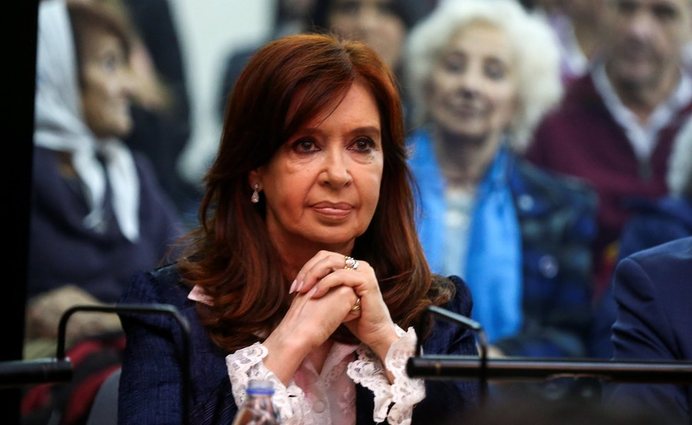 President Cristina Fernández de Kirchner appears at court in Buenos Aires