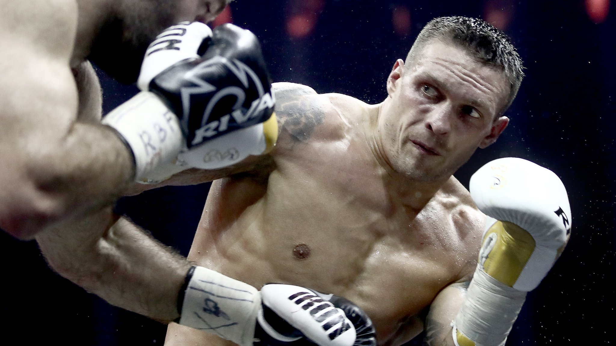 Oleksandr Usyk unifies cruiserweight division by beating Murat Gassiev