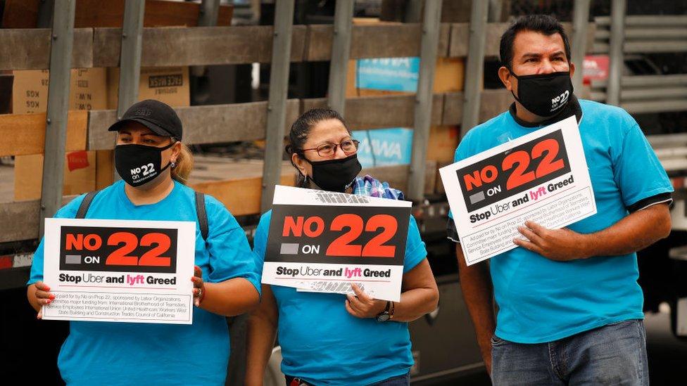 Conductores se oponen a la proposición 22 en California