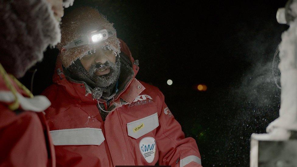 Doktor Nandan je naučnik za daljinsko merenje morskog leda