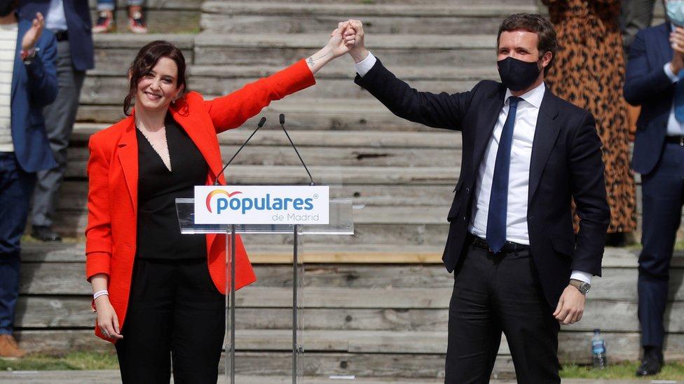 Isabel Díaz Ayuso y Pablo Casado en un acto de campaña electoral en Madrid